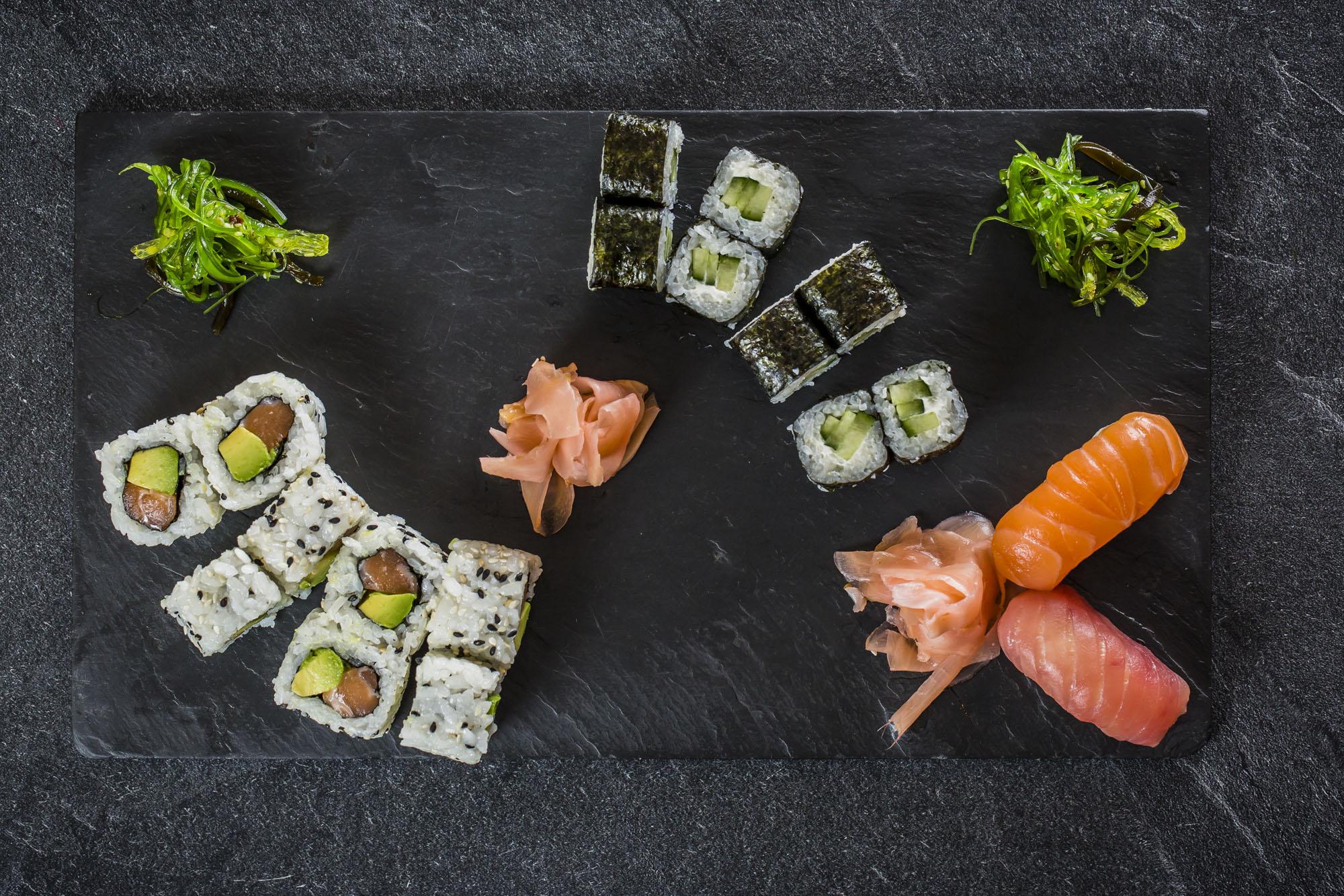 Plateau Le Classique Ô Sushi Bar california avocat saumon